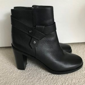 VIA SPIGA Women's Farrah Ankle Boot Size 9